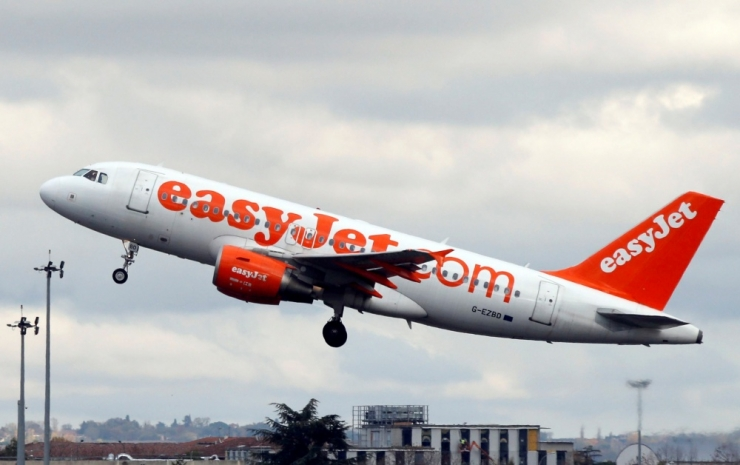 Londonisse teel olnud lennuk suunati terrorismivestluse pärast Kölni