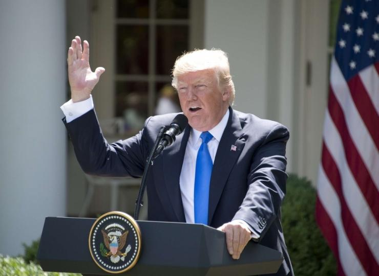 Trump süüdistas Comey't lekitamisega seoses argpüksluses