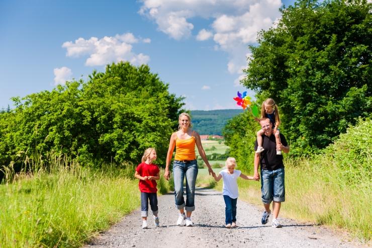 Juulist hakkab riik maksma lasterikka pere toetust