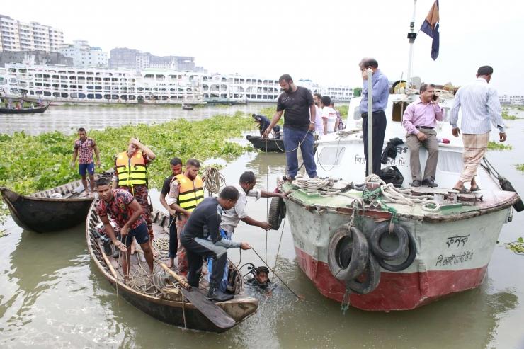 Bangladeshi maalihetes on hukkunud vähemalt 111 inimest