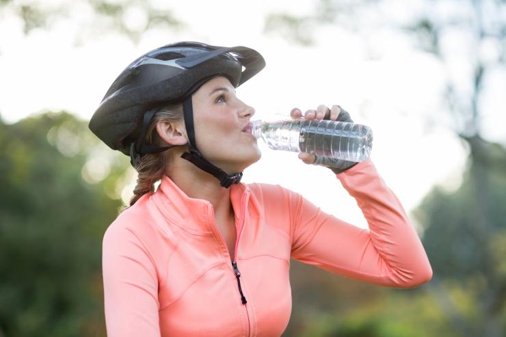 Teadlased kinnitavad: regulaarne veejoomine parandab mälu