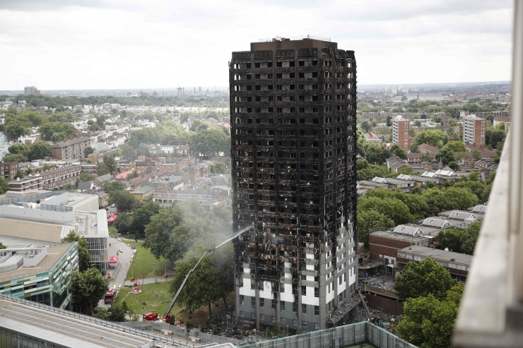 Briti peaminister andis käsu alustada tornmaja põlengu juurdlust