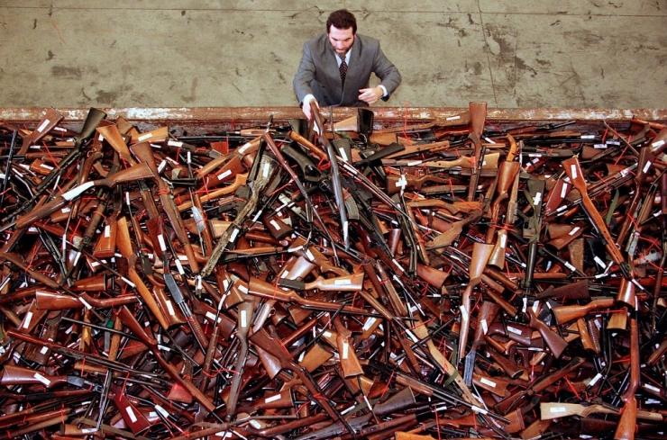 Austraalias saab kolm kuud ära anda ebaseaduslikke tulirelvi
