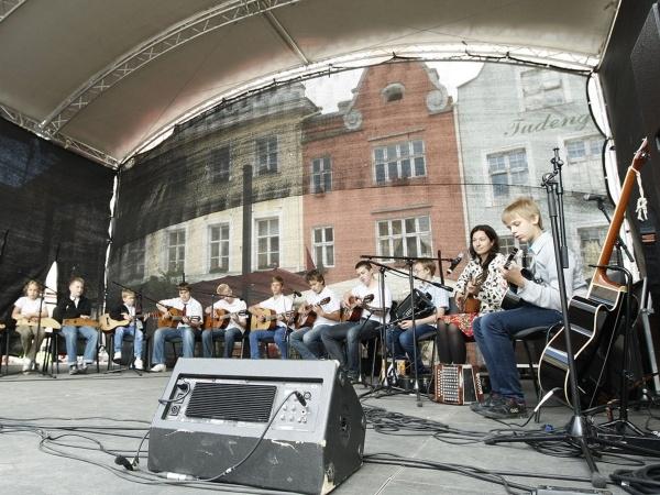 Tallinna Raekoja platsil esinevad nädalavahetusel Põhja-Eesti muusikud