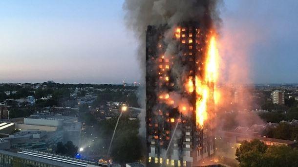 Ministrid: ärapõlenud Londoni kõrghoone fassadikate võis olla keelatud