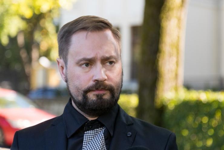 Riigiprokuratuur esitas ärimees Henry Kallasele süüdistuse rahapesus