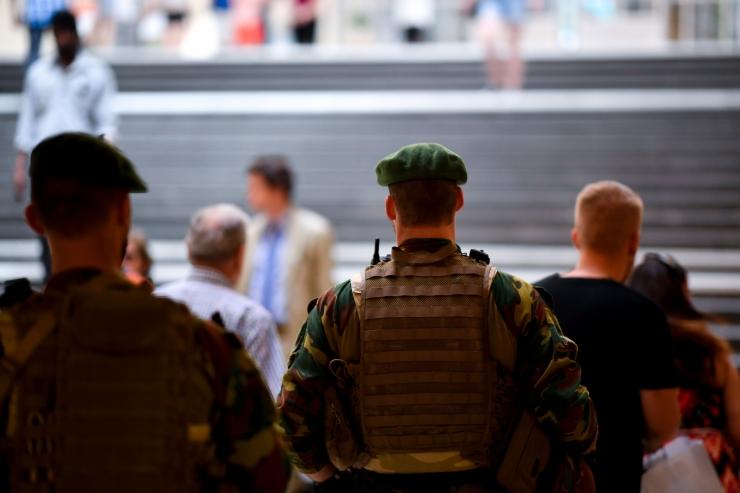 Hollandi politsei pidas kinni terrorismis kahtlustatava teismelise