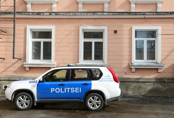 Politseinikku kahtlustatakse internetis lapse ahvatlemises
