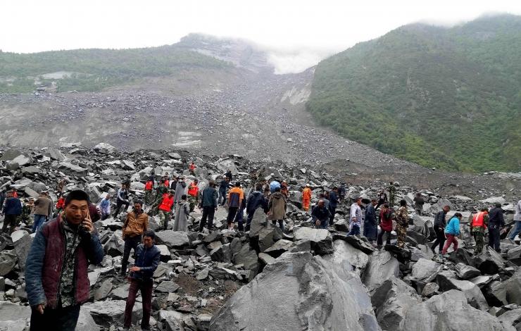 Hiinas võis jääda maalihke alla üle 140 inimese
