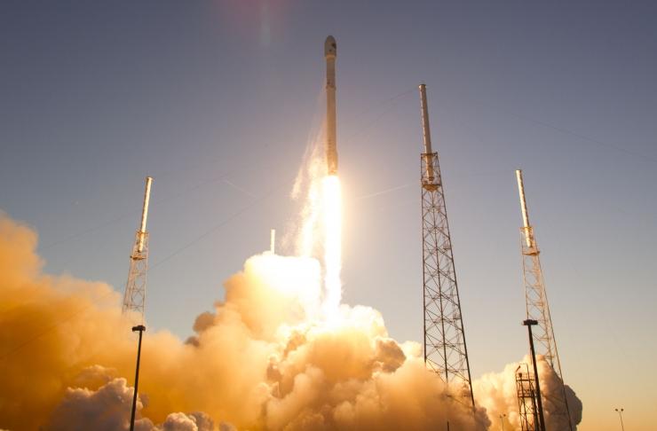 SpaceX saatis edukalt orbiidile 10 satelliiti