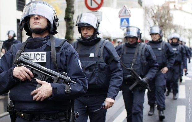 Pariisi politsei toimetas linna põhjaosast minema 2500 migranti