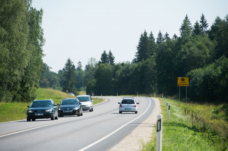 Kiiruskaamerad tuvastasid poole aastaga ligi 55 000 kiiruseületajat