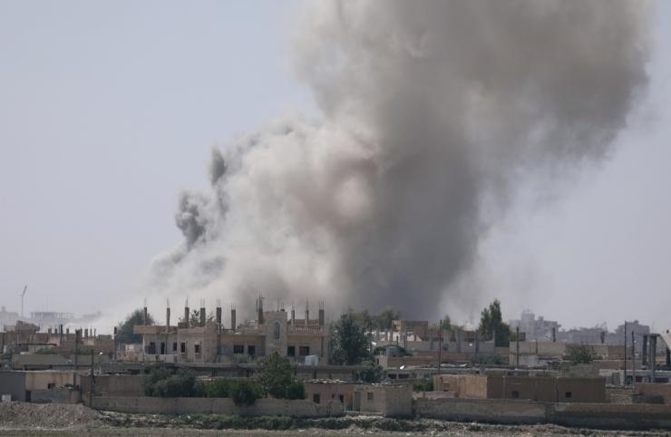 Raqqa südalinnas käivad ägedad lahingud