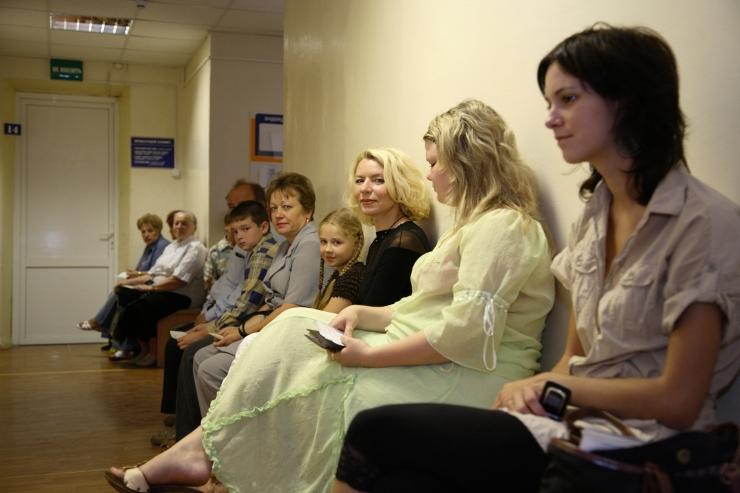 Raport: kolmandik patsiente ei pääsenud õigel ajal arsti vastuvõtule
