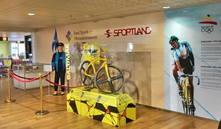 EOK avas Tallinna Lennujaamas Barcelona 1992 olümpiamängude juubeliväljapaneku