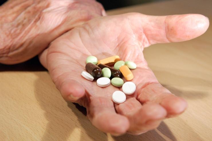DIAGRAMM! Uus täiendava ravimihüvitise süsteem vähendab oluliselt inimeste kulusid retseptiravimitele
