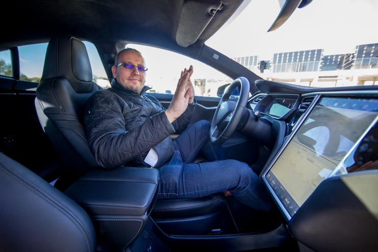 Elektriautode rentija: fossiilkütustel töötavad autod tuleb kiiremini ära keelata
