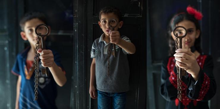 """Karolin Kruuse fotonäitus """"Purustatud uksed"""" avab elu Palestiinas"""