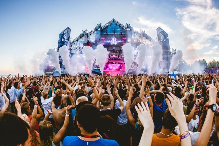 Politsei hoiatab Weekend festivalil käepaelapettuste eest
