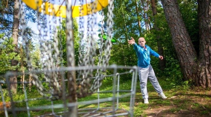 Külavanem kogub toetust Viimsisse esimese kettagolfi pargi ehitamiseks
