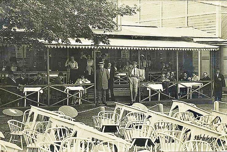 Vabadussõja järgses priiusetuhinas asus igas kolmandas hoones lõbumaja