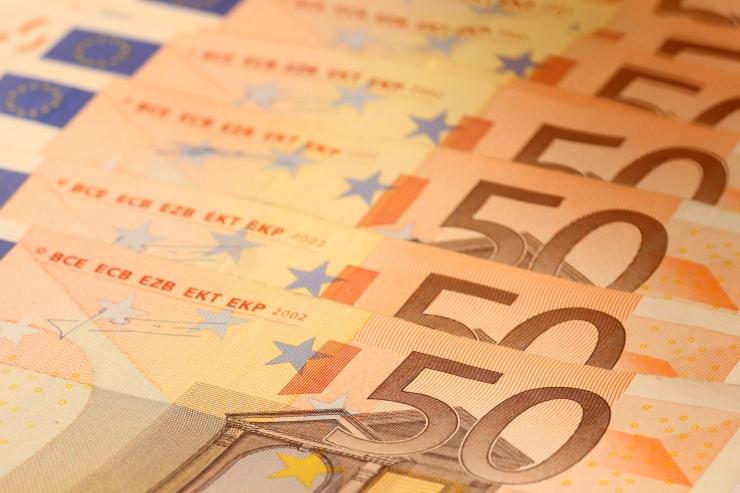 Tallinn tunnustab kahte sportlast ja nende treenereid 2400 euroga