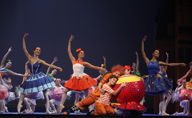 Tallinna Filharmoonia ja Aitan Lapsi viivad 500 last balletti vaatama
