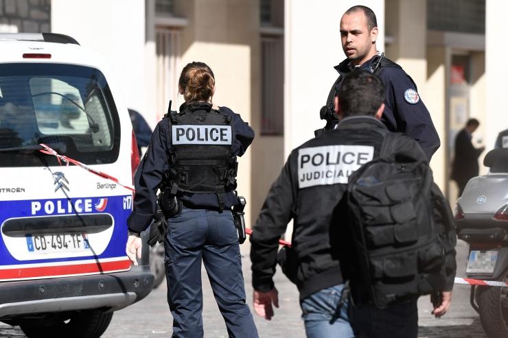 Prantsusmaal sai tõenäolises autorünnakus viga kuus sõdurit