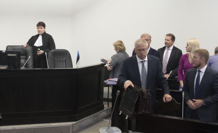 Kohus jäi Savisaare protsessil otseblogi keelu juurde