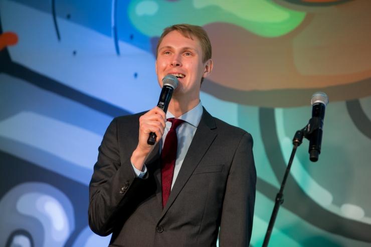 Raimond Kaljulaid: Kui ERJK ei lõpeta järgmisel nädalal menetlust, peatame tasuta kinoseansid eakatele