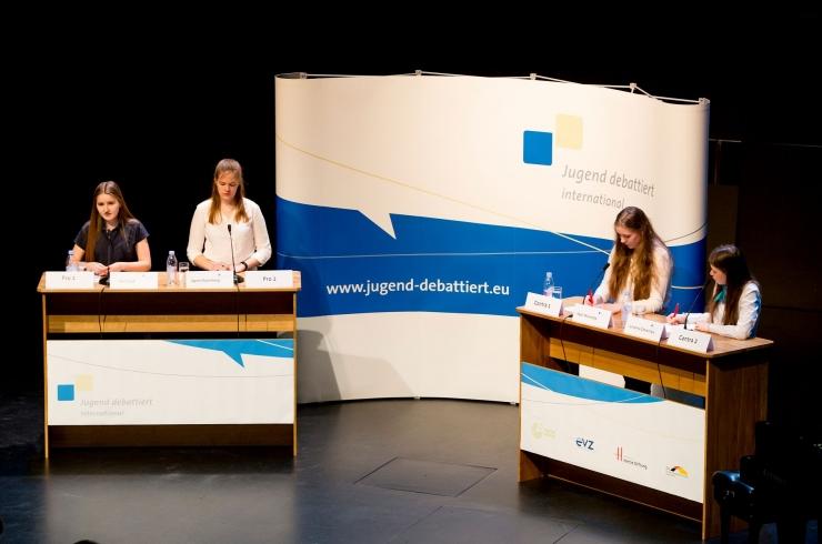Noored väitlejad kogunevad Tallinnasse finaalvõistlusele