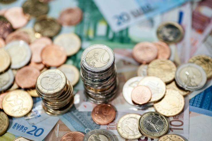 Politsei hoiatab Pärnus ringleva valeraha eest