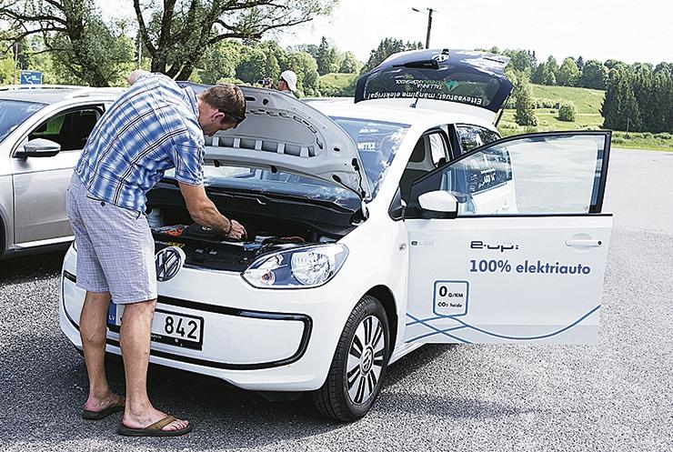Kas ka Eesti peaks keelama sisepõlemismootoritega autod?