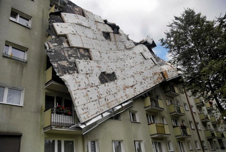 Poolas on tormid nõudnud viis inimelu