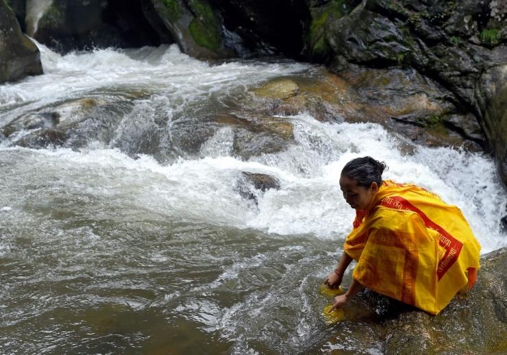 Nepalis on tulvades ja maalihetes hukkunud vähemalt 25 inimest