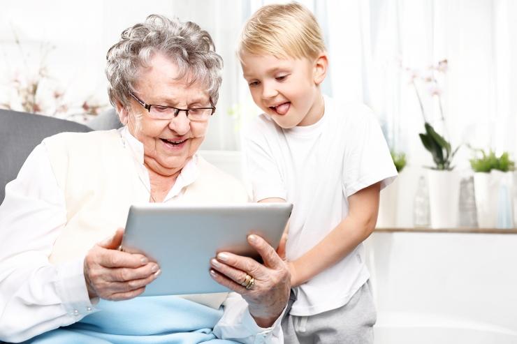 Juhtkiri: vanaema mälestused pere heliarhiivi