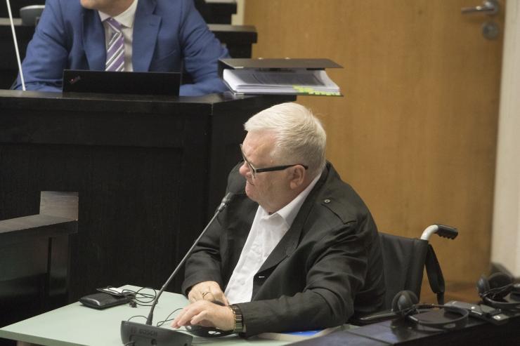 Savisaare protsess jätkus Savisaare ja Kofkini vestluste kuulamisega