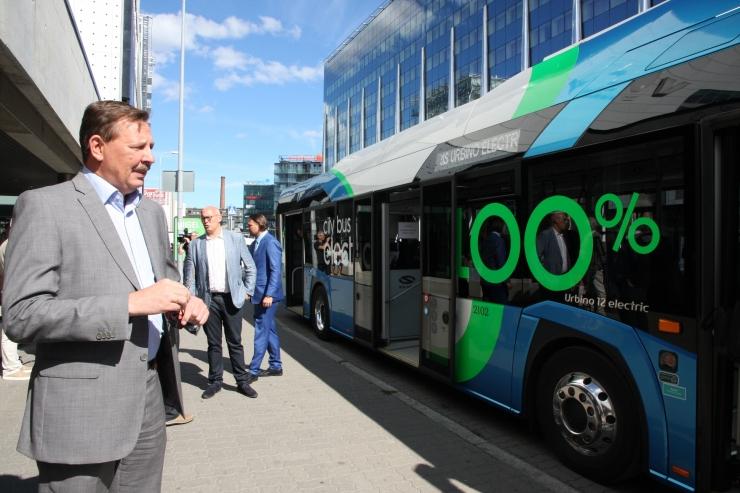 FOTOD! Tallinn alustas täiselektrilise bussi testimist