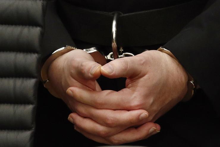Politseinikud pidasid kinni kahe lapse vägistamises kahtlustatava mehe