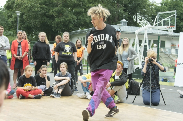 FOTOD! Tallinna tänavaspordifestivalil võeti mõõtu breiktantsus ja hiphopis