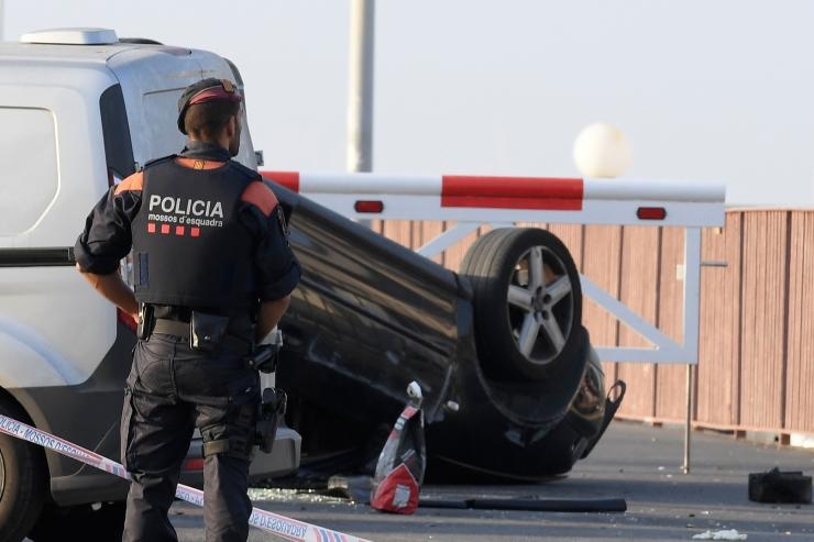 Politsei: Cambrilsis tapetud kahtlusalustel olid võltspommivööd