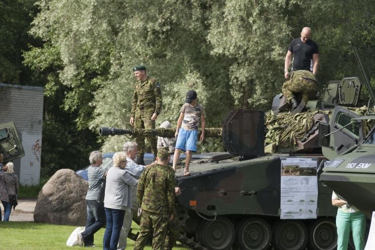 FOTOD JA VIDEO! Teletorni perepäeval sai uudistada tanke