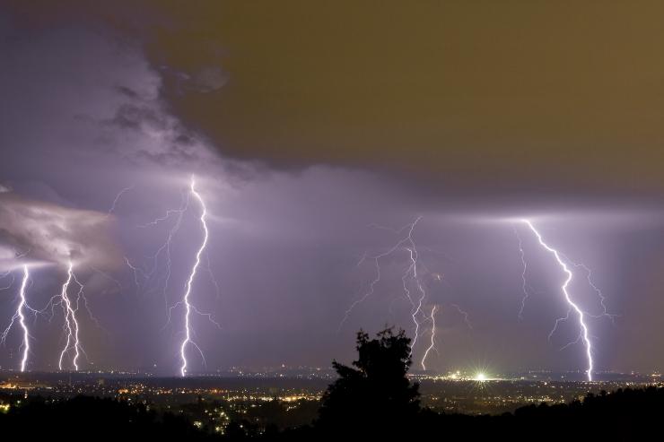ÄIKESEKAART! Vaata, millal torm sinuni jõuab!