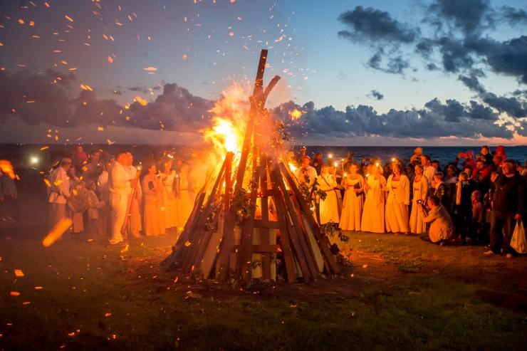 GRAAFIK! Muinastulede öö põhilised väljakutsed on liiga suured lõkked ja tugev tuul