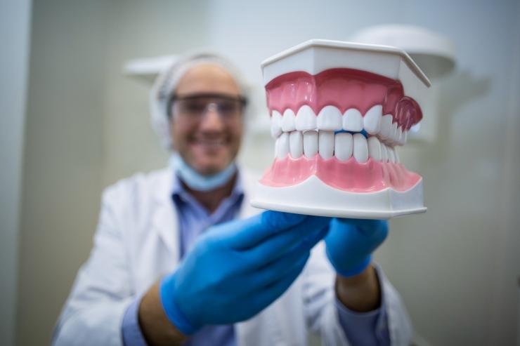 Järelmaksuga hambaravi võib aidata tegelikkuses kulusid kokku hoida