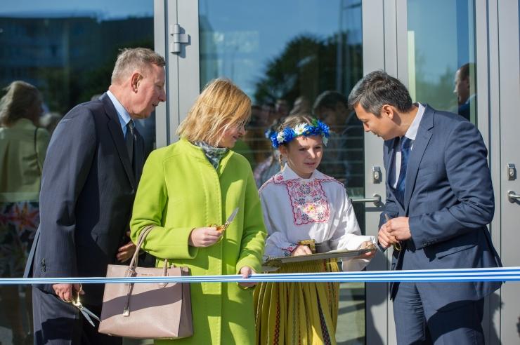 FOTOD! Täna avati Tallinna Linnamäe Vene Lütseumi uus hoone