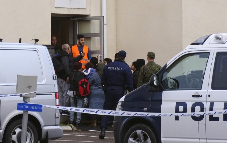 SOOME POLITSEI PEAINSPEKTOR: Migrantide ja politsei vahelised konfliktid muutuvad üha sagedasemaks
