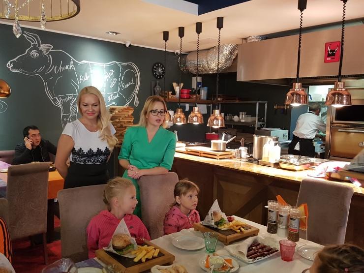Restoran Kitchen Rõõm kostitas Lasnamäe lapsi lõunaga