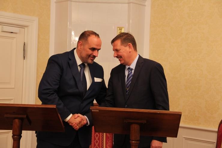 FOTOD JA VIDEO! Bratislava president: Tallinn julgustab meid tasuta ühistransporti looma