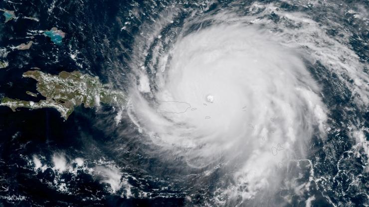 CNN: Atlandil möllab esmakordselt 2010. aastast korraga kolm orkaani